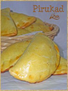 Pirukad - (Estonian Pasties) World Recipes, Real Food Recipes, Cooking Recipes, Empanadas, Estonian Food, Czech Recipes, Ethnic Recipes, My Favorite Food, Recipes
