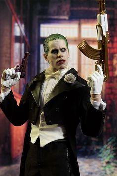 Suicide Squad Tuxedo Joker scale action figure by Hot Toys Joker Images, Joker Pics, Joker Art, Harey Quinn, Jared Leto Joker, Joker Drawings, Heath Ledger Joker, Joker Wallpapers, The Best Films