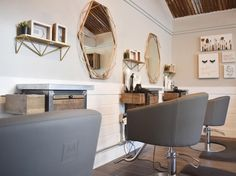 We love how Salon Social combined the rustic Oconee Styling Station with the sleek Cinque Styling Chair! This charming space is definitely one we'd like to be pampered in. Hair Salon Stations, Salon Styling Stations, Salon Styling Chairs, Hair Styling Station, Salon Chairs, Home Hair Salons, Hair Salon Interior, Salon Interior Design, In Home Salon