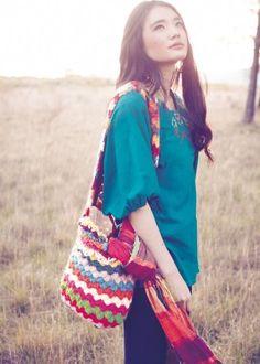 Love the colors! Fair Trade Clothing, Crochet Purses, Crochet Bags, Beautiful Asian Women, Crochet Accessories, Asian Woman, Crochet Patterns, Crochet Ideas, Crochet Projects