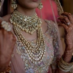 Indian Bridal Jewelry Sets, Indian Bridal Fashion, Bridal Jewellery, Indian Jewelry, Wedding Jewelry, Diamond Jewellery, Bridal Looks, Bridal Style, Bollywood