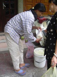ハノイ、 2004年、 街角のお豆腐売り