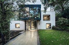 Madeira House by RADO ILIEV . DESIGN #papodearquiteto