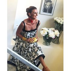 «Any girl can be glamorous. All you have to do is stand still and look stupid 😜🙈 Casual Wear Women, Women's Casual, Ramona Filip, Summer Chic, Office Outfits, Beautiful Outfits, Stupid, Work Wear, Cool Style