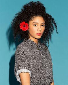 Salina Sabella (@salinasabella) Curly hair. Natural hair. Curls. Kinky curly hair.