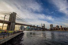 Queremos compartir contigo nuestras 22 mejores experiencias en Nueva York e informaros sobre que hacer allí a través del blog y videos.