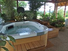 piscine et jacuzzi hors sol outside pinterest belle et jacuzzi. Black Bedroom Furniture Sets. Home Design Ideas