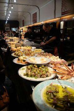 Bar Martínez - C/31 de agosto, 13 (parte vieja) http://www.tripadvisor.es/Restaurant_Review-g187457-d988526-Reviews-Bar_Martinez-San_Sebastian_Donostia_Guipuzcoa_Province_Basque_Country.html