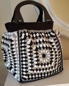 Marvelous Crochet A Shell Stitch Purse Bag Ideas. Wonderful Crochet A Shell Stitch Purse Bag Ideas. Crochet Doily Rug, Crochet Shell Stitch, Crochet Gifts, Crochet Stitches, Crochet Baby, Knit Crochet, Crochet Patterns, Unique Handbags, Handmade Handbags