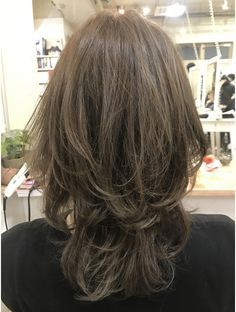 Pin on 髪型 Medium Short Hair, Medium Hair Cuts, Short Curly Hair, Medium Hair Styles, Short Hair Styles, Bob Haircut For Fine Hair, Korean Short Hair, Androgynous Hair, Cabello Hair