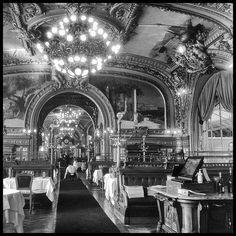 Le Train Bleu * Gare de Lyon * Paris - une fois, mon père m'y a emmenée déjeuner .....