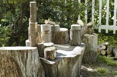 Lovely outdoor playscape via Harrington Harrington Harrington :: Let's Lasso the Moon Love this large stump to build on. Backyard Fort, Backyard Ideas, Outdoor Learning Spaces, Outdoor Education, Natural Play Spaces, Lasso The Moon, Outdoor Classroom, Natural Building, Outdoor Fun