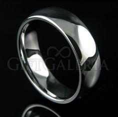 Aliança de Casamento e Compromisso em Tungstênio com espessura de 7mm, formato cilíndrico e reto clássico, cor prata.
