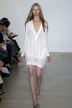 Jil Sander Spring 2008 Ready-to-Wear Fashion Show - Kamila Filipcikova