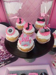 Catch my party 12th Birthday Party Ideas, Diy Birthday, Birthday Photos, Birthday Parties, 13th Birthday, Ariana Grande Birthday, Disney Frozen Party, Disco Party, Cake Designs