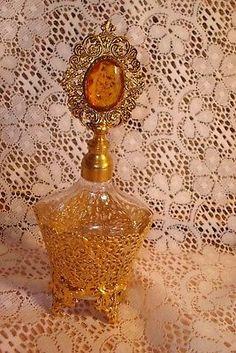 Vintage-Ormolu-Perfume-Bottle-Matson-Stylebuilt-Hollywood-Regency-W-GOLD-GEM