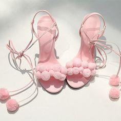 the utilmate heels 4 life. sweetdreams iGIRL's #topgirlstudio #pompoms