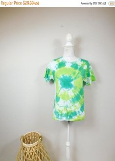 50% OFF SUMMER SALE Vintage 80s Tie Dye Print Bright White Green Neon Splatter Crewneck Short Sleeve Top Tee T Shirt Sz 10/12 Medium by WearingMeOutVtg on Etsy Vintage Hippie, Green Cotton, Summer Sale, Tie Dye, Neon, Bright, Medium, Sleeve, Shirt