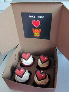 Zelda Heart-Cupcakes im gonna make these and gift them, cuz theyre adorable and i love it