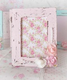 souvenirs mini portaretratos artesanales shabby chic x 10 u Cumpleaños Shabby Chic, Shabby Chic Quilts, Shaby Chic, Shabby Chic Crafts, Baby Frame, Frame It, Manualidades Shabby Chic, Decoupage, Couleur Rose Pastel
