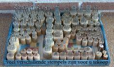 stempels staphorster stipwerk workshop stipverf Dot Art Painting, Mandala Painting, Pebble Painting, Pottery Painting, Ceramic Painting, Mandala Art, Fabric Painting, Stone Painting, Mandala Stencils