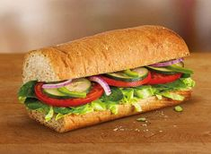 If you need to grab something quick to eat, is a fast food sandwich the best choice? Here are the unhealthiest sandwiches, and the ones that aren't as bad. Low Sodium Fast Food, Low Sodium Diet, Low Sodium Recipes, Sodium Foods, Low Sodium Meals, Healthy Food Choices, Heart Healthy Recipes, Bread Improver, Salt Free Recipes