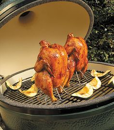 The Big Green Egg is the ultimate Grill/Smoker paired with our rubs is, well, just the ultimate!