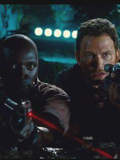 "Omar Sy affronte une grosse bébête sanguinaire dans ""Jurassic World"""