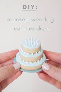Stacked Wedding Cake Cookies | 24 DIY Wedding Favor Ideas