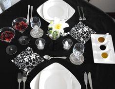 Executiva de Panela: Como preparar um jantar romântico no Dia dos Namorados: mesa b&p