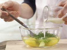 Krabbenrührei Zubereitung Schritt 3 Ethnic Recipes, Food, Crabs, Eggs, Food Food, Recipes, Eten, Meals, Diet