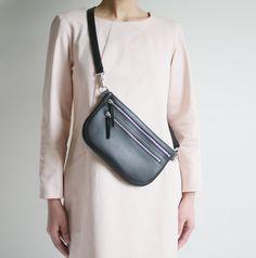 6647b033a0d3 Flat Large Fanny Pack , Double Zipper Belt Bag, Hip Bag, Hip Pouch, Travel  Bag, Black Calf Leather. Sac BananeCuir ...