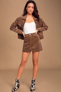 Things just seem to fall into place when in the Lulus Happy-Go-Lucky Brown Corduroy Mini Skirt! Lightweight, woven corduroy skirt with a raw, notched hem. Plaid Mini Skirt, Corduroy Skirt, Mini Skirts, Fall Skirts, Casual Skirts, Women's Casual, Buy Skirts Online, Suede Pencil Skirt, Bodycon Midi Skirt