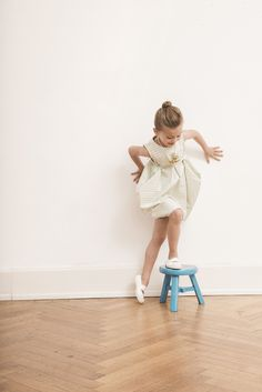 Look how adorable our model is in this cute dress. Its unique cut makes the dress a real eye-catcher and the big  pockets are perfect for the little treasures. Find it in our ONLINE-STORE under http://www.macarons-shop.com/
