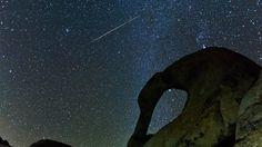 """Las hermosas Gemínidas son una lluvia de meteoros de gran actividad y visibilidad. Se llaman así porque """"radian"""", salen, desde la constelación de Géminis. Suceden en Diciembre siendo el día 14 el de mayor actividad. Las Gemínidas son consideradas la primer lluvia de meteoros relacionada con un asteroide, el Phaeton. Este video es increíblemente bello!, la música te llega a lo profundo del alma, te emociona. Somos parte del cosmos. http://evosiastudios.com/2010/12/15/geminid-meteor-shower/"""