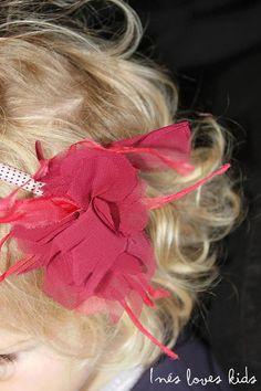 Diadema Flor de Lis de Inesloveskids.com Hair Bows, Blog, Fashion, Fleur De Lis, Head Bands, Felting, Colors, Ribbon Hair Ties, Moda