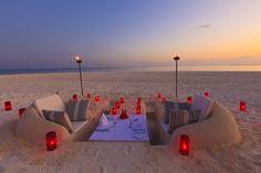 Cómo preparar una cena romántica en la playa