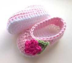 Crochet baby shoes, for babies age 0-3 months £7.95 ♡