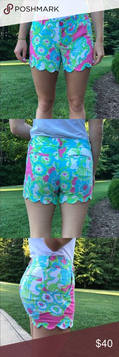 Lilly Pultizer scalloped shorts Worn  twice, look brand new Lilly Pulitzer Shorts