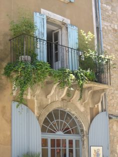 Blue shutters of Provence Country Stil, Estilo Country, French Country Cottage, French Countryside, French Country Style, Under The Tuscan Sun, French Balcony, Blue Shutters, Provence France