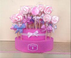 Unser beliebter Lollie- oder Cakepopständer. Dieser ist mehrstöckig und in jeder gewünschten Farbe erhältlich.