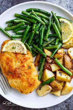 Crispy Sheet Pan Lemon Parmesan Garlic Chicken & Veggies (Milanese) | https://cafedelites.com