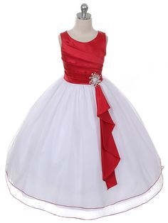Sleeveless Tulle Dress with Brooch