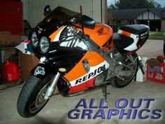 1992 Honda CBR900RR Fireblade Repsol rep. Repsol colours have been adorning customers' and factory road bikes a long time.