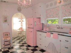 cute vintage lovely 50's retro Romantic kitchen baby pink pale pink pink kitchen 1950's kitchen pin up home 1950's house