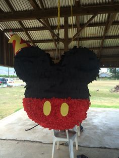Mickey Mouse pinata:]]