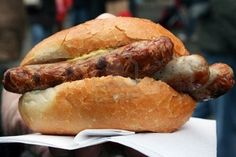 Picture of Traditional fast food to go. This type of rather small Bratwurst is typical for Nuremberg. It is very tasty. Nuremberg Christmas Market, Christmas Markets Europe, Bratwurst, Food To Go, Food And Drink, Hot Dog Buns, Hot Dogs, Nuremberg Germany, Grilled Sausage