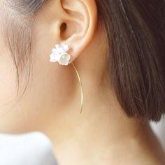 かわいい♡>すずらんの一輪ピアス:ホワイト