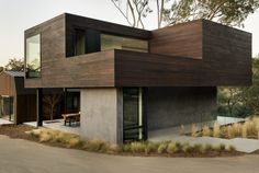 ...---===||===---... Oak Pass Guest House by LA based Walker Workshop Design Build.