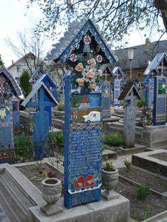 Cimitirul_Vesel_de_la_Sapanta4.jpg (1224×1632)